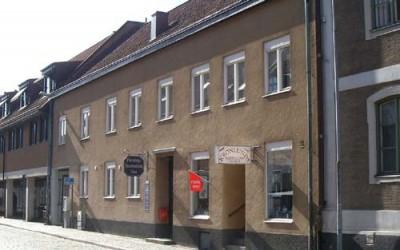 Drottninggatan 83